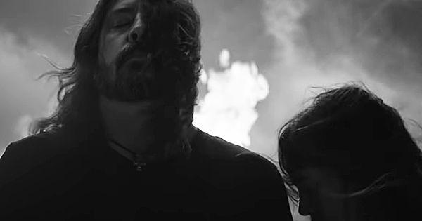 "foo-fighters-lanza-el-videoclip-de-""shame-shame"",-single-de-""medicine-at-midnight"""